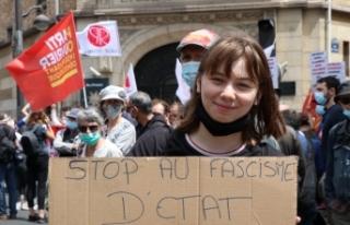 Fransa'da aşırı sağa karşı Özgürlük Yürüyüşü...