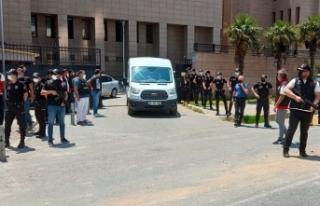 HDP İzmir İl Başkanlığında 1 kişiyi öldüren...