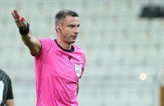 İsviçre-Türkiye maçını Sloven hakem Slavko Vincic...