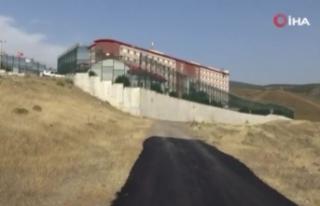 İzmir Valiliğinden Geri Gönderme Merkezindeki yangınla...