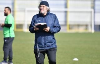 Kocaelispor Teknik Direktörü Mustafa Reşit Akçay,...