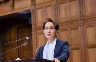 Myanmar'ın devrik lideri Suu Çii'nin bir...