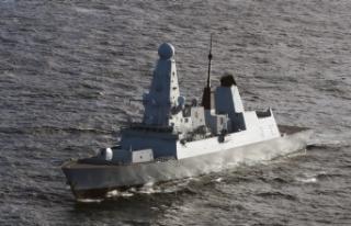 Rusya, Kırım'a yaklaşan İngiliz muhrip gemisine...
