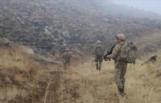 Siirt'te PKK'lı teröristlerden üs bölgesine...