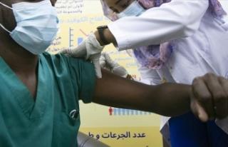 Afrika'da ihtiyaç duyulan Kovid-19 aşısının...