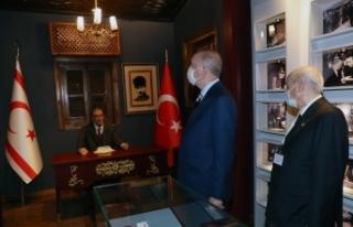 Erdoğan ve Bahçeli, Alparslan Türkeş'in evini...