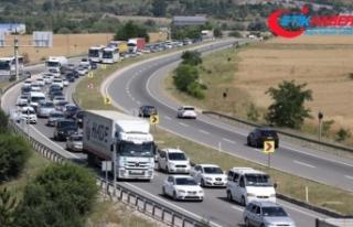 Karadeniz illerinden İstanbul'a dönüşte yoğunluk...