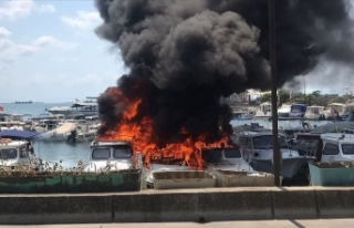 Kartal'da yangında 9 tekne hasar gördü