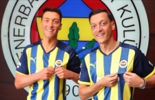 Mesut Özil'in balmumu heykeli, İstanbul'a...