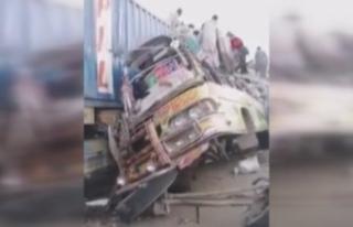 Pakistan'da otobüs kazası: en az 27 ölü, 30...