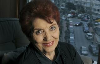 Türk sinemasının ilk kadın oyuncularından Sezer...