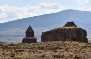 Ani Ören Yeri'nde kazı ve restorasyon çalışması...