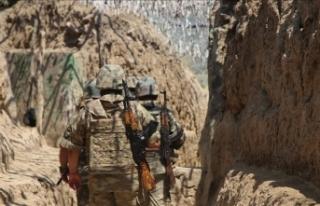Ermenistan askerleri sınırdaki Azerbaycan mevzilerine...