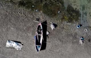 Konya'da kuraklığın etkisiyle birçok baraj,...