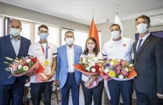 Olimpiyat şampiyonu Mete Gazoz: Madalyamızı alıp...