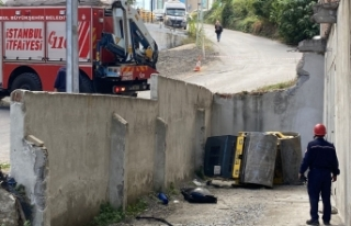 Ataşehir'de feci kaza: Silindir aracının altında...