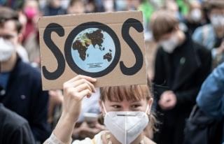 Avrupa'da çevreciler iklim değişikliğine...