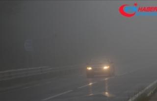 Bolu Dağı'nda sis ve sağanak etkili oluyor