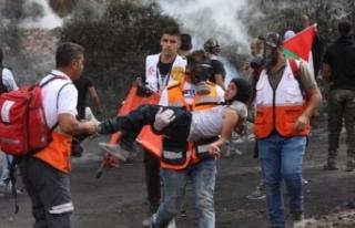 İsrail askerlerinden Nablus'ta Filistinlilere sert...