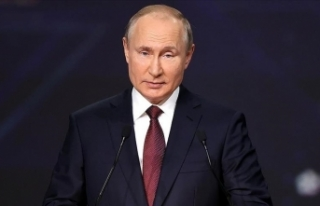 Rusya Devlet Başkanı Putin, Kovid-19 nedeniyle kendini...