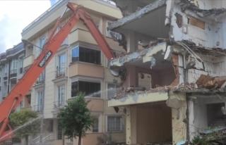 Binaların yıkım işlerini düzenleyen yönetmelik...