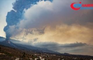 La Palma Adası'ndaki volkandan çıkan lavlar...