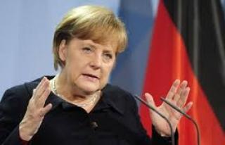 Merkel: Türkiye'deki gelişmeleri çok yakından...