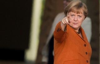 Merkel'den 'Soykırım' Yasasına İlk Açıklama...