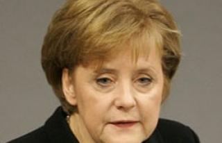 Merkel'den Türkiye'ye tepki!