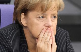 Merkel'den özeleştiri: Sığınmacı krizini uzun...