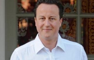 İngiltere Başbakanı Cameron görevi bırakacağını...
