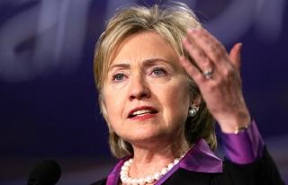 Clinton'ın e-postalarıyla ilgili FBI'a yeni soruşturma...