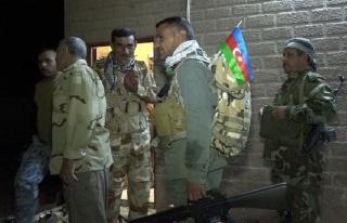 Kerkük'te Şii Türkmenlerden Azerbaycan bayraklı...