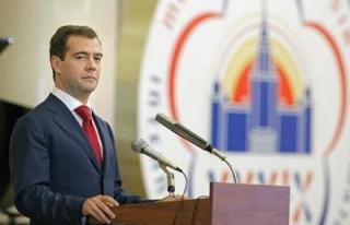 Medvedev: ABD Rusya'ya yönelik tam kapsamlı bir...