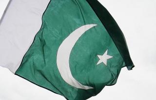 Pakistan FETÖ'cülerin ülkeyi terk etmesini istedi