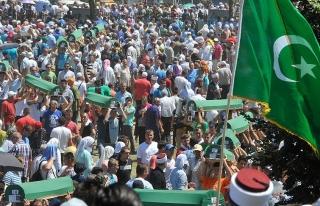 Srebrenitsa soykırımında hayatını kaybeden 127...
