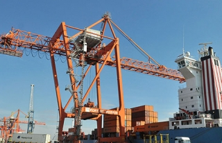 Aralık'ta ihracat yüzde 10,9 ve ithalat yüzde...