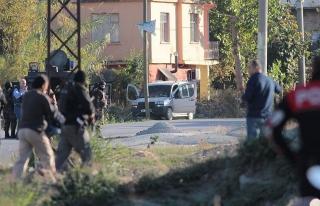 Adana'da bomba düzenekli araç ele geçirildi