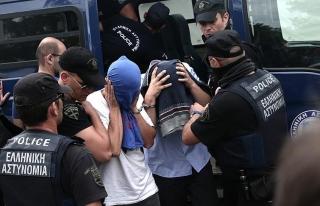 Yunanistan'a kaçan darbeci askerlerin iadesi istendi