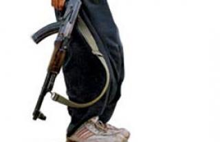 PKK sığınağında büyük miktarda silah ve mühimmat...