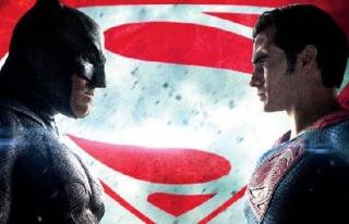 'Batman v Superman: Adaletin Şafağı' rekora koşuyor