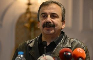 Sırrı Süreyya Önder adli kontrol şartıyla serbest...