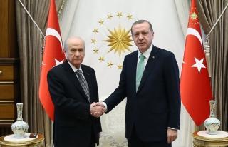 Beştepe'de Erdoğan-Bahçeli görüşmesi 1 saat...