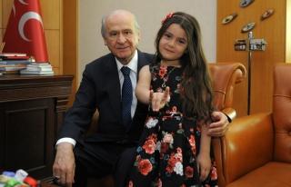 Türkmen Elif, Dedem Dediği Devlet Bahçeli'yi Ziyaret...