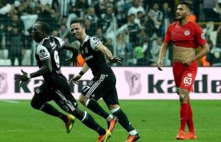 Beşiktaş evinde mutlu