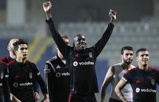 Beşiktaş'ta Caner Erkin ve Demba Ba sevinci