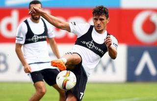 Beşiktaş, Pektemek'i Medipol Başakşehir'e kiraladı
