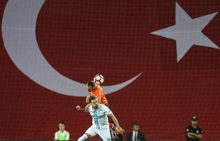 Medipol Başakşehir turu rövanşa bıraktı