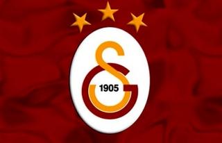 Galatasaray yıldız futbolcuyla görüştüğünü...