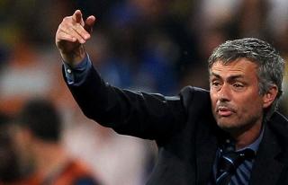 Mourinho: Fenerbahçe duygusal oynadı ve kazanmayı...